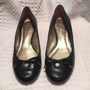 Arturo Chiang Black snakeskin leather pumps Sz 8 M